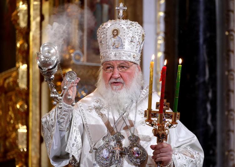 Патриарх Кирилл приветствовал верующих в непривычной для праздника тишине