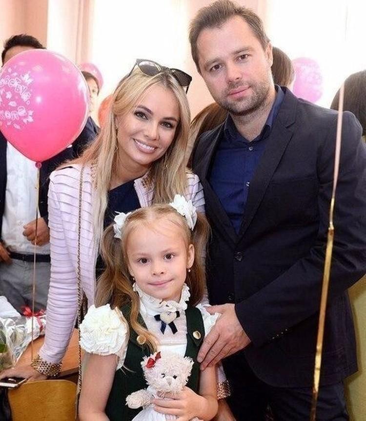 Виталий Гогунский с экс-женой Ириной Маирко и дочерью Миланой.