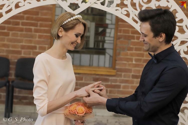 Несмотря на пандемию, влюбленные решили не откладывать свадьбу