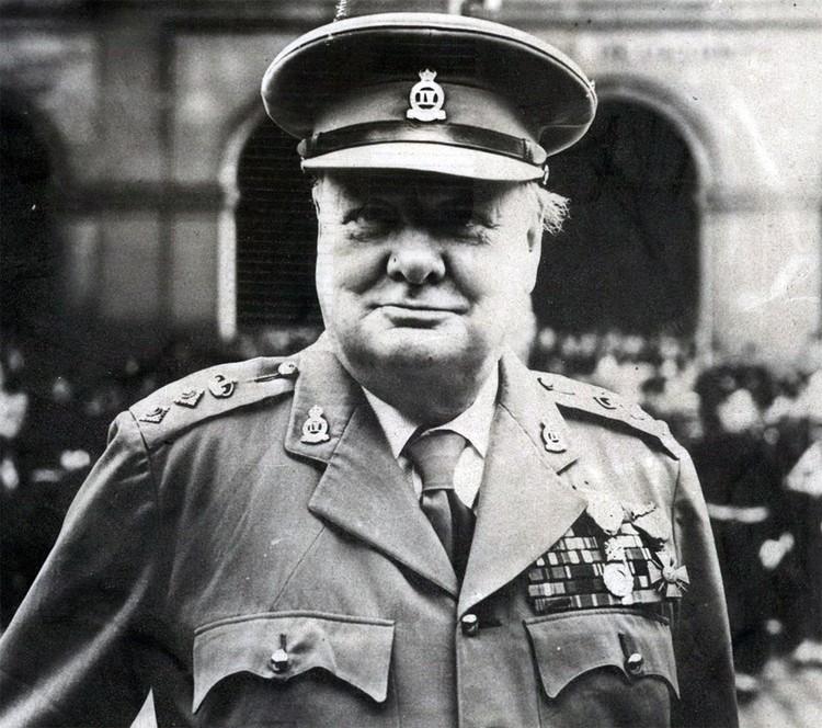 Британский премьер-министр Уинстон Черчилль в 1945 году.