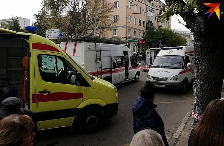 Три человека погибли на месте аварии