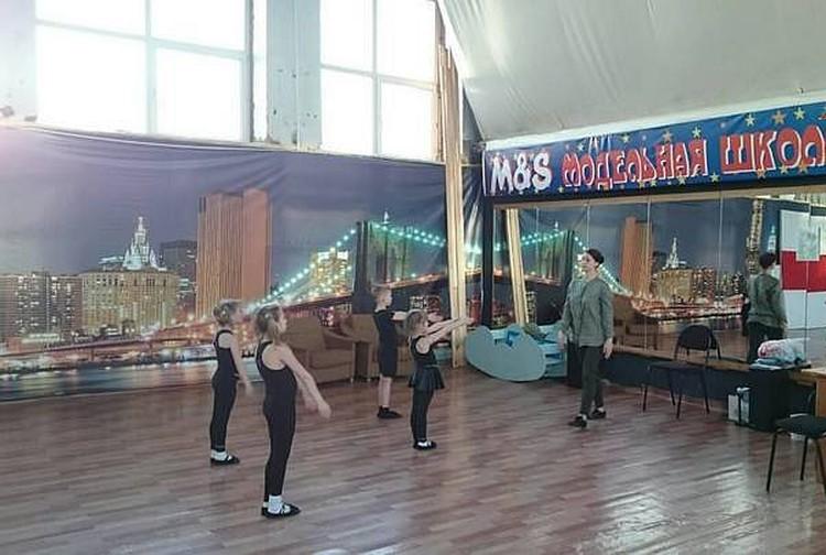 Школа моделей, в которой училась Лиза