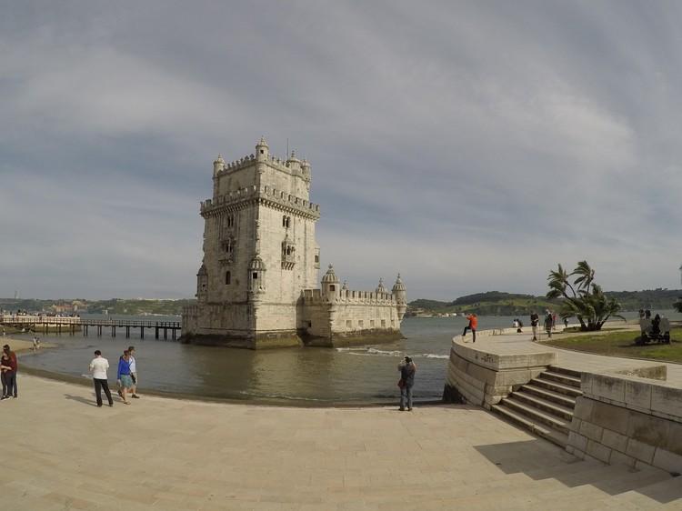 Португалия ждут туристов