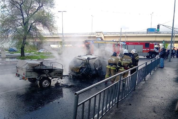 """В тушении пожара были задействованы восемь человек. ФОТО: Группа """"Кстати"""""""
