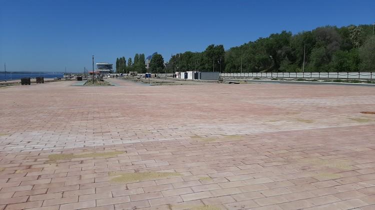 Конечно, по традиции будут и огромные площади из плитки.