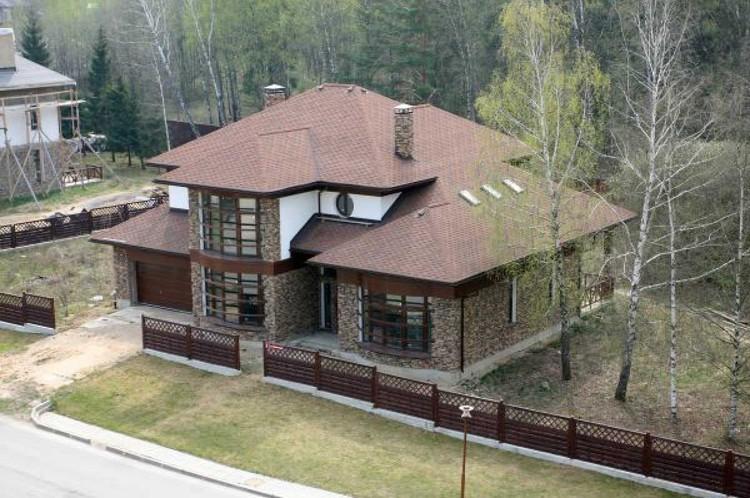 Дом на Новой Риге Дима Билан купил после победы на «Евровидении» в 2008 году.
