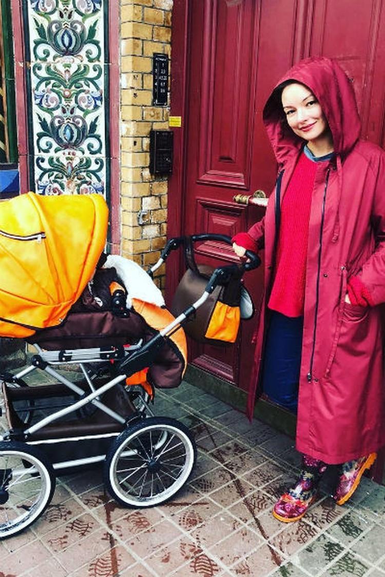 Ольга Павловец сейчас воспитывает двух сыновей.