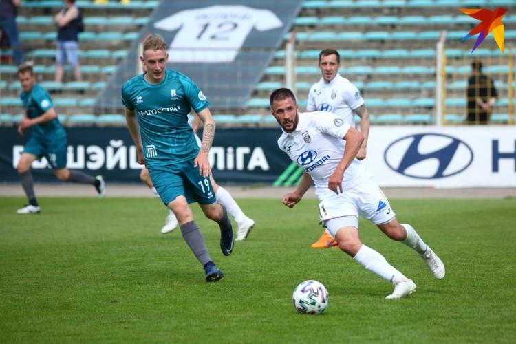 Денис Гречихо против Александра Холодинского.
