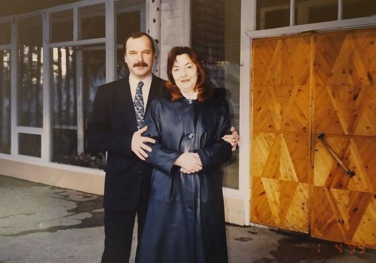 Со своей супругой Анатолий Манаков познакомился в 1993 году, после чего они уже не расставались. Фото: предоставлено Галиной Манаковой