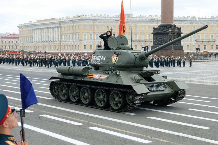 Историческая и современная боевая техника будет представлена на параде Победы.