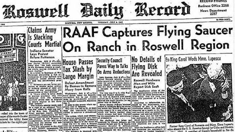 """Газета с сообщением о крушении """"летающей тарелки"""" в Розуэлле."""