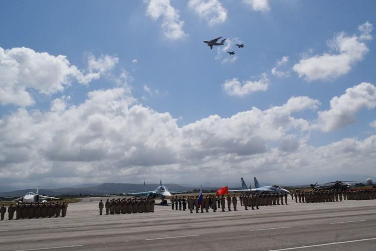 В воздух поднялись 17 летательных аппаратов