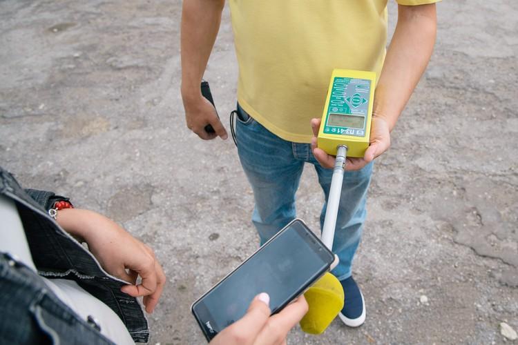 Измеряем излучение от телефона во время звонка