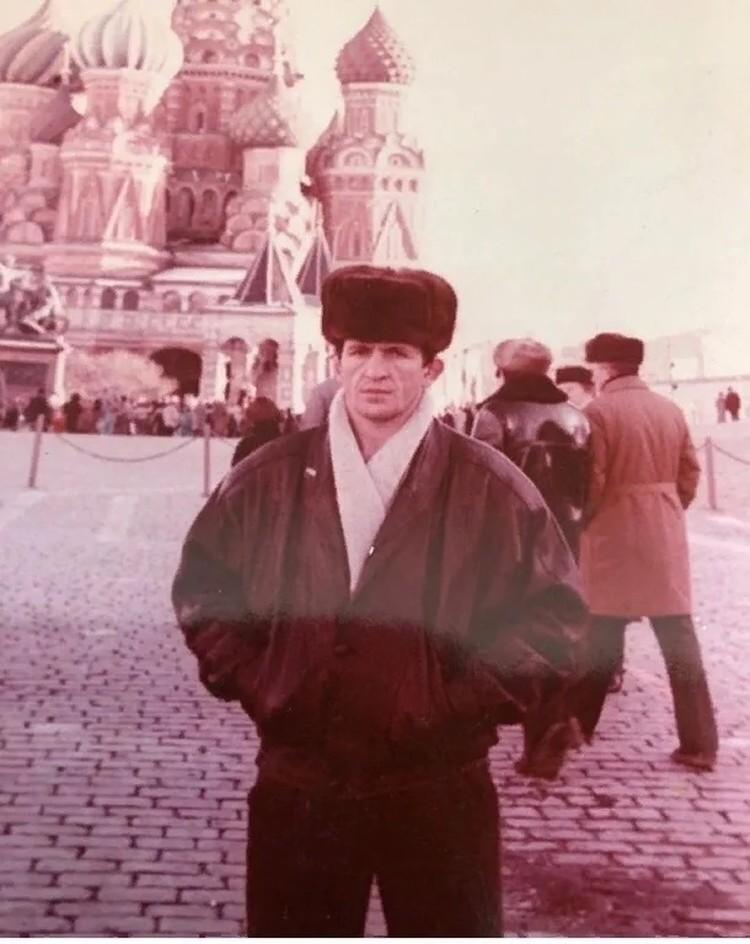 Абдулманап Нурмагомедов сам был далеко не последним спортсменом, завоевав титул чемпиона Украины по боевому самбо и борьбе