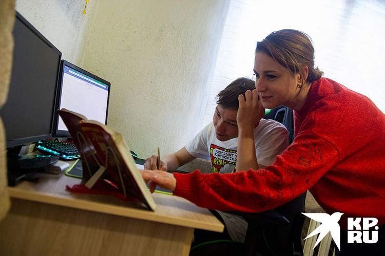 Узнав о цифровом эксперименте в школах, родители заволновались.