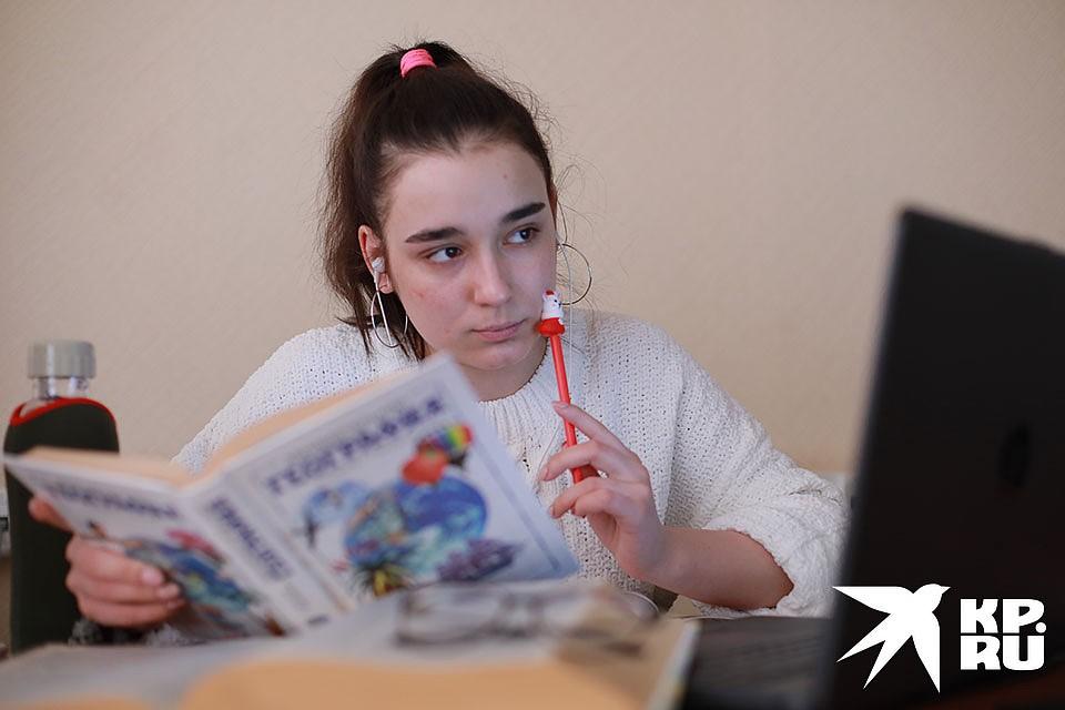 Школьники получат Доступ к электронной библиотеке, образовательным сайтам и сервисам. Фото: Мария ЛЕНЦ