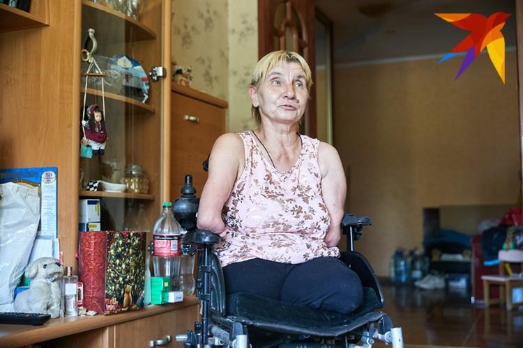 Елена Василевич родилась без рук и ног.