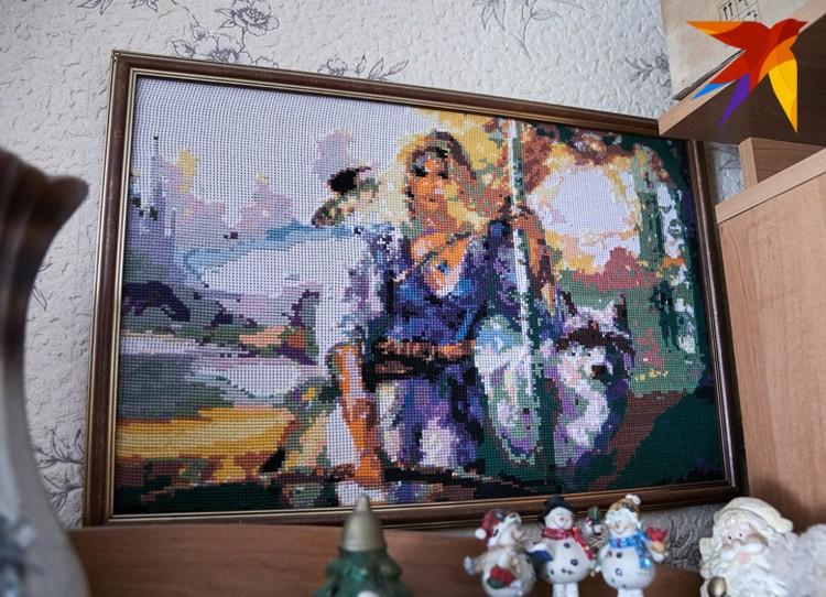 Эту картину Елена Василевич вышила сама.