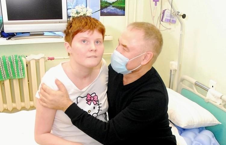 Несколько лет Сергей пытался поставить жену на ноги, но потом отказался от нее.