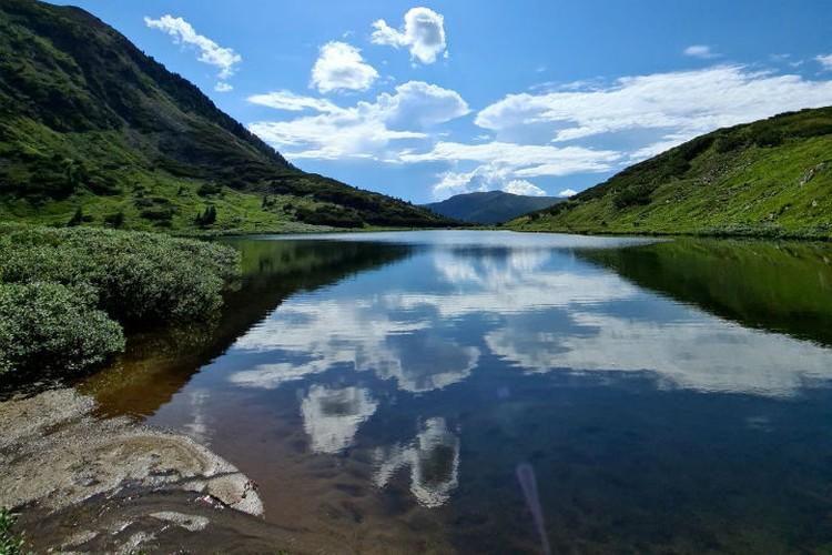Озеро Сердце чистое и очень теплое. Фото: личный архив Оксаны Совы