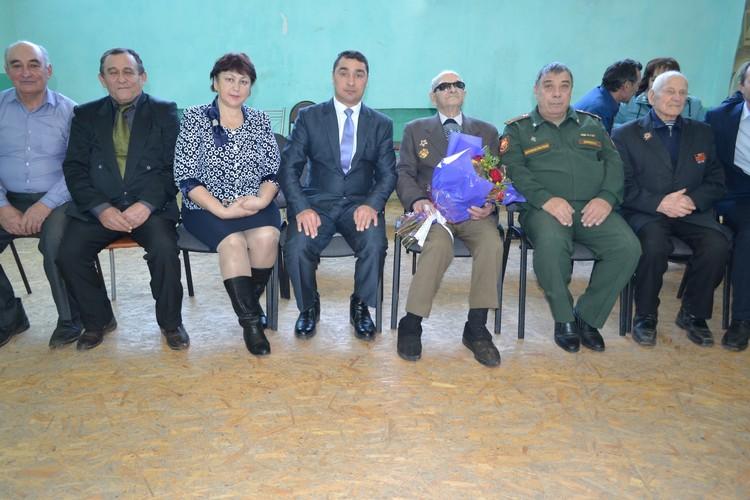 На столетний юбилей Ивана Несмеянова собрались администрация района и ветераны МВД