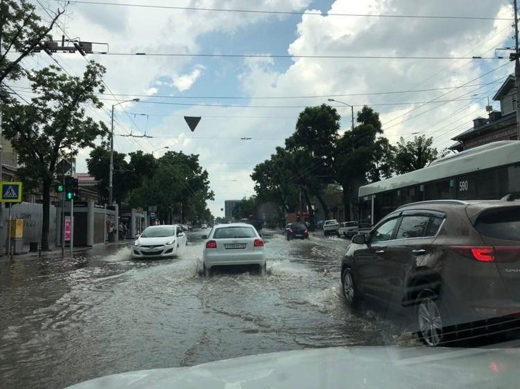 Потоп на Северной. Фото: t.me/krd_tipich_ru