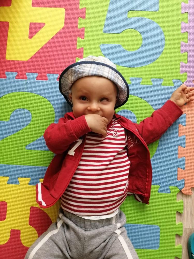 Несмотря на все усилия врачей, у мальчика вновь и вновь возникают осложнения