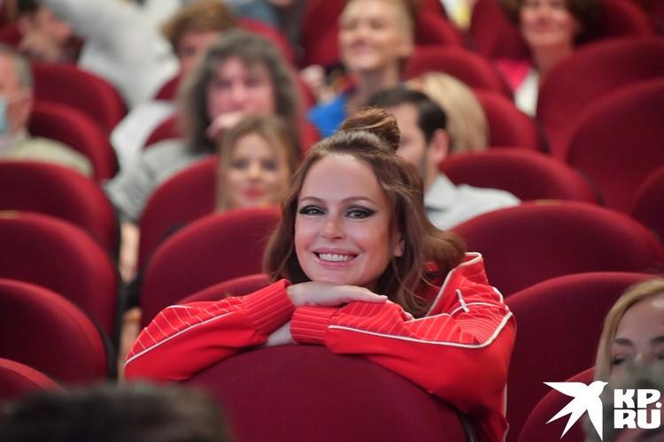 Актриса Ирина Безрукова изолировалась ото всех.
