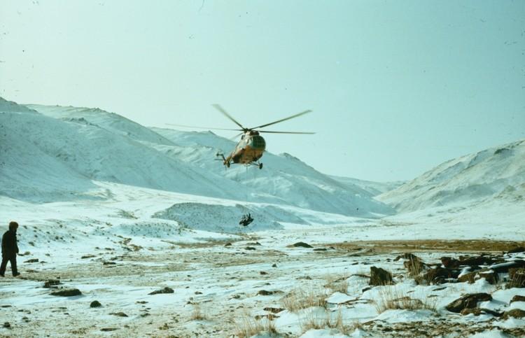 Одна из самых первых операций МЧС России – ликвидация вспышки чумы крупного рогатого скота на границе Тувы и Монголии. Фото: архив СРПСО.