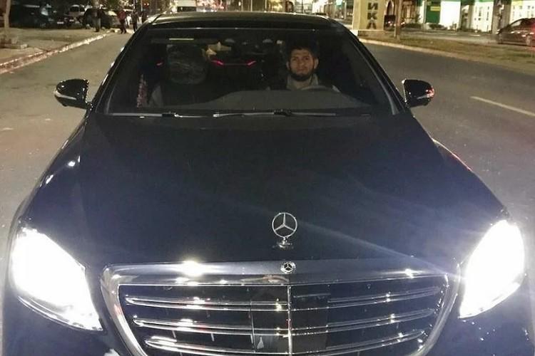 Mercedes-Benz S-Class чемпиону подарил Рамзан Кадыров. Фото: страничка главы Чечни в Instagram