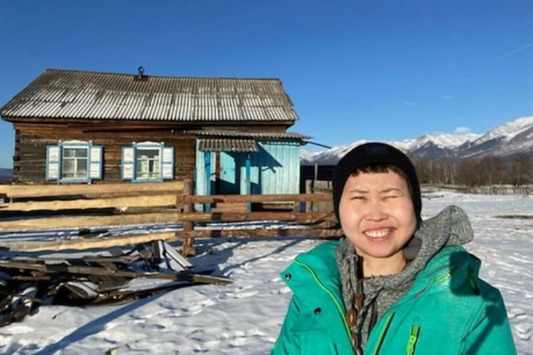 Зоя и ее зимовье. Фото: личный архив Зои Ангареновой