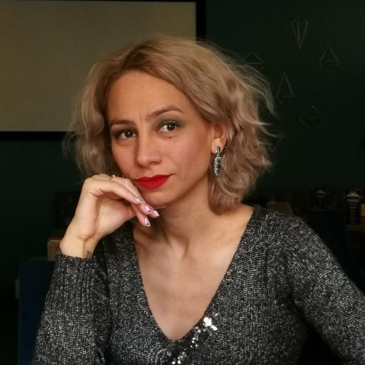 Марина Кохал работает астрологом