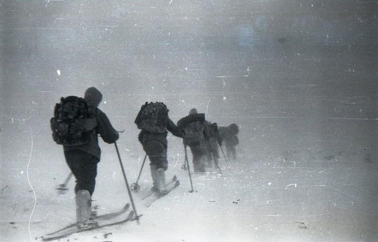 Первый канал и журналисты «Комсомолки» продолжают изучать странные обстоятельства гибели девяти туристов. Фото: из архива фонда памяти группы Дятлова.