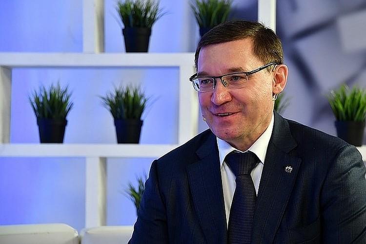 Министр строительства и ЖКХ России Владимир Якушев в прямом эфире Радио «Комсомольская правда».