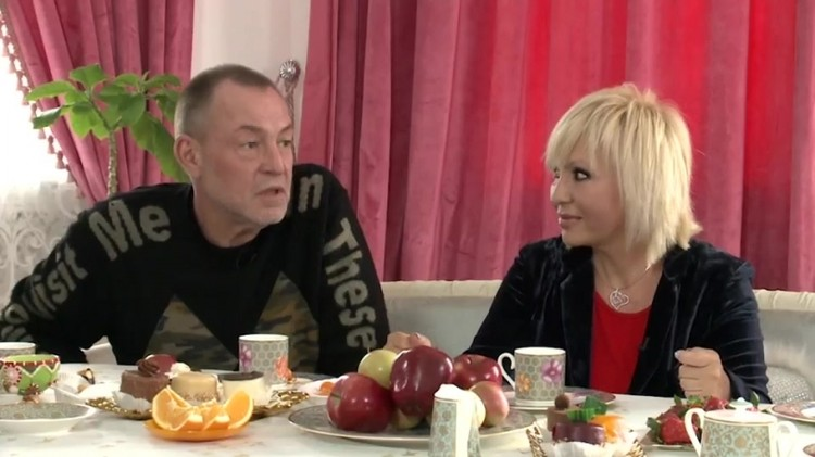 Легкоступова со вторым мужем Алексеем развелась совсем недавно. Фото: кадр программы «Когда все дома».