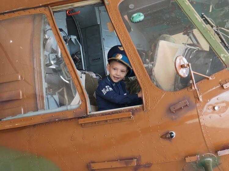 Ярослав мечтает стать военным летчиком. Предоставлено пресс-службой Росгвардии