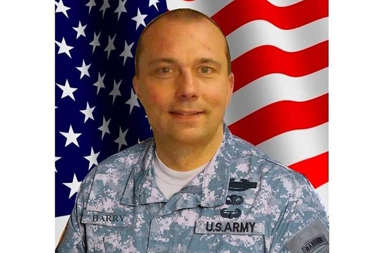 В США «генерал» возвращаться не хотел, потому что «Пентагон может опять заставить служить, а я устал от войны»