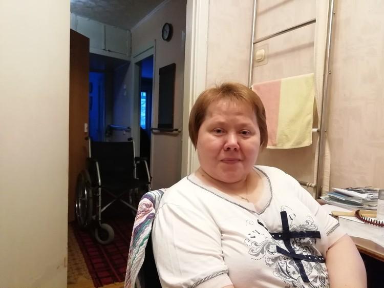 Волонтеры помогают Галине Васильевой и ее отцу Фото: коалиция «Забота рядом»