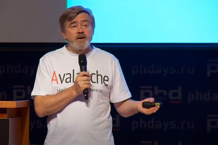 Кандидат физико-математических наук Андрей Масалович.
