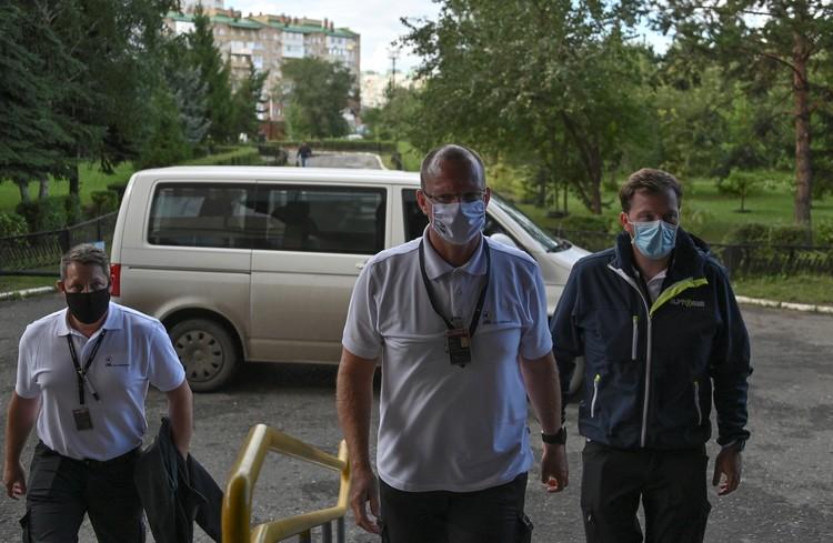 Немецкие врачи прибыли в Омск на самолете санавиации.