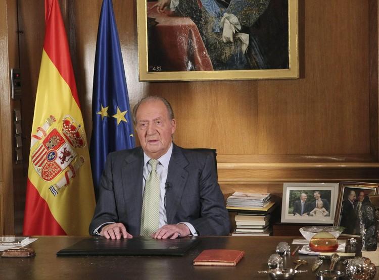 Король Хуан Карлос I объявляет об отречении от престола