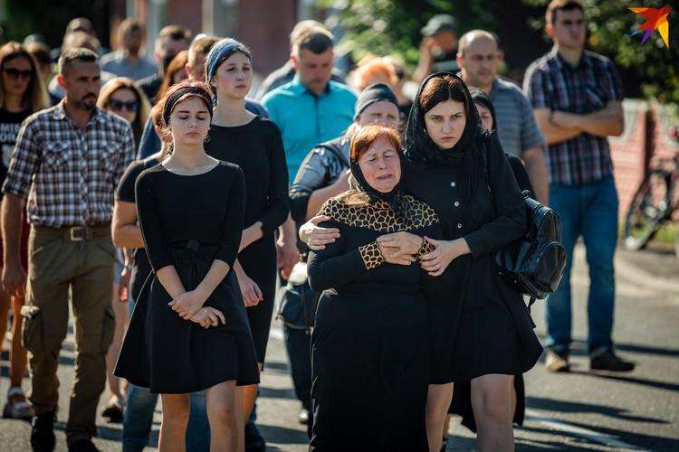 Родные не согласны с тем, что Геннадий мог напасть на правоохранителей. Фото: Иван ОНИЩИК