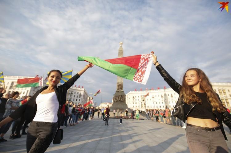 Провластный митинг на площади Победы в Минске.
