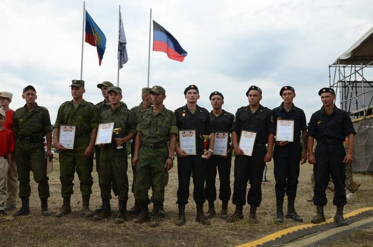 Первое место в личном зачете получил танковый экипаж ДНР, второе - за экипажем из ЛНР
