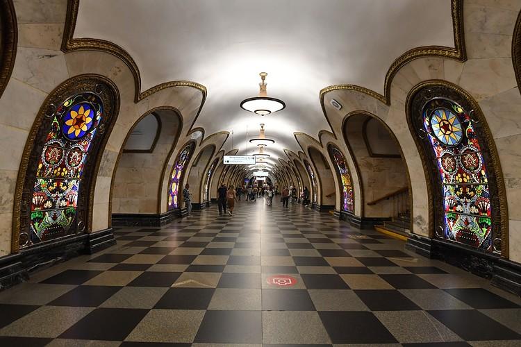 """Станция """"Новослободская"""" Кольцевой линии открыта в 1952 году"""