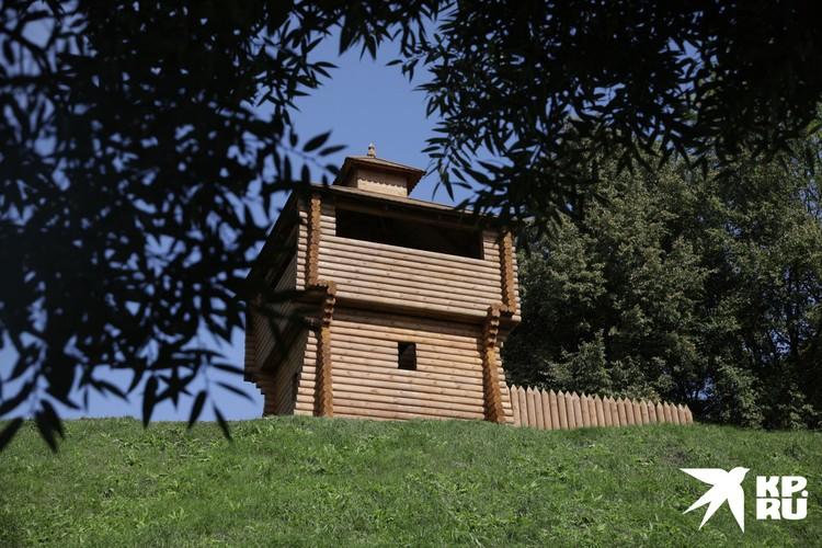Башня старинной крепостицы