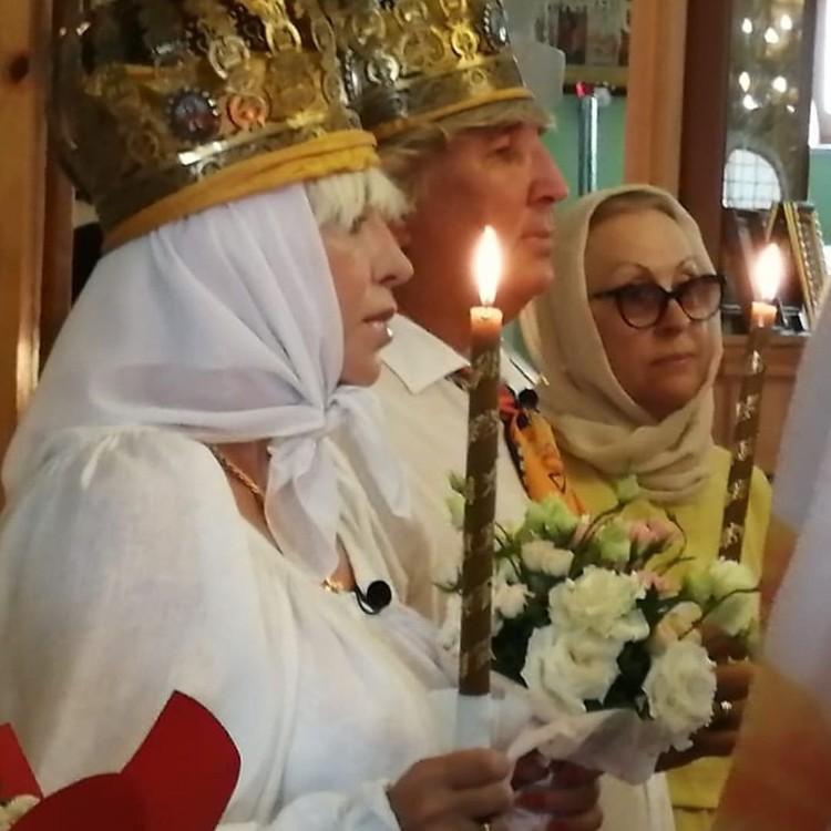 13 июля пара венчалась в Крыму. Рядом с Юрием Фирсовым мама Валентины Легкоступовой.