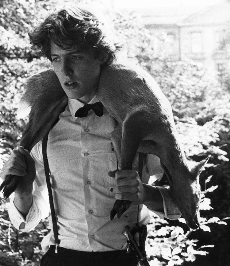 """Хью Грант в своей первой большой киноработе - фильме """"Привилегированный"""", 1982 г."""
