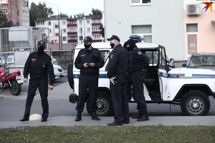 Сотрудники милиции говорили, что им поступают жалобы от соседей, которые недовольны шумом