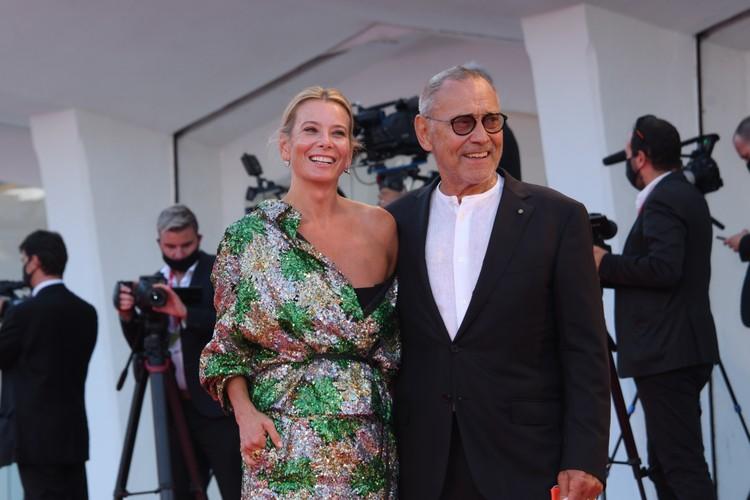 83-летний режиссер получил специальный приз жюри за драму «Дорогие товарищи».